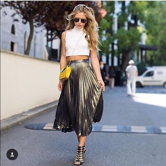 66566488e0 Top shop Metallic Pleated Midi Skirt. M_5b98a551bb761539861d4da4